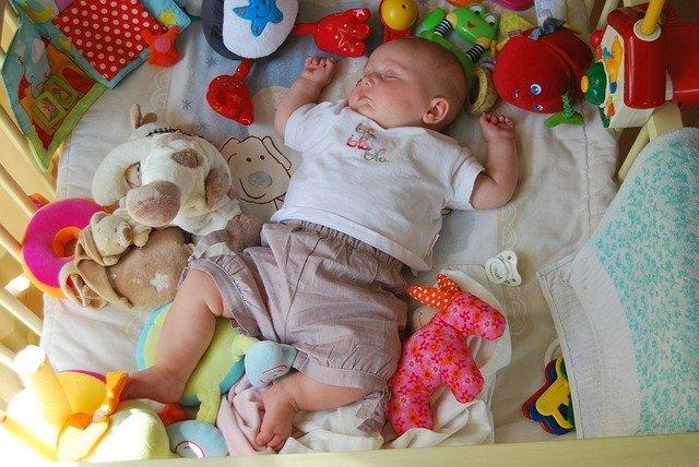 so lernen Babys alleine einzuschlafen.