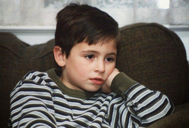 Kleinkinder - Fernsehen und negative Auswirkungen.