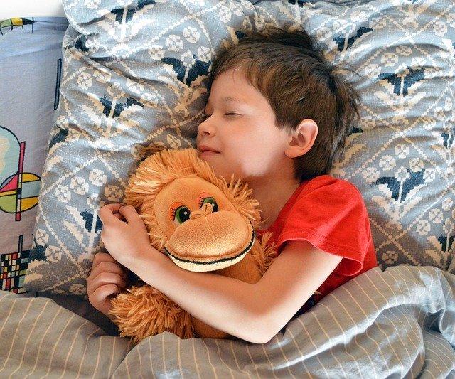 Kind will nicht alleine schlafen was kann man tun.