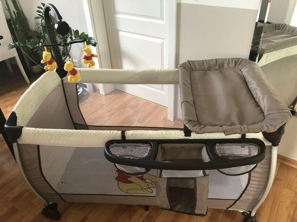 höhenversellbares Reisebett für Babys.