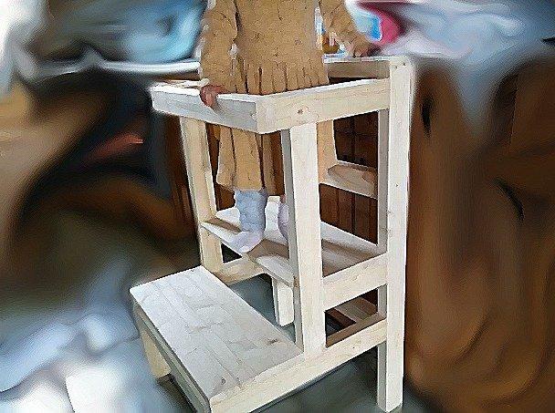 Montessori-Lernturm