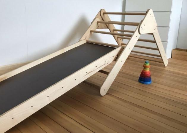 Pickler Dreieck - auch Kletterdreieck - bringen großen und kleinen Kindern Freude.