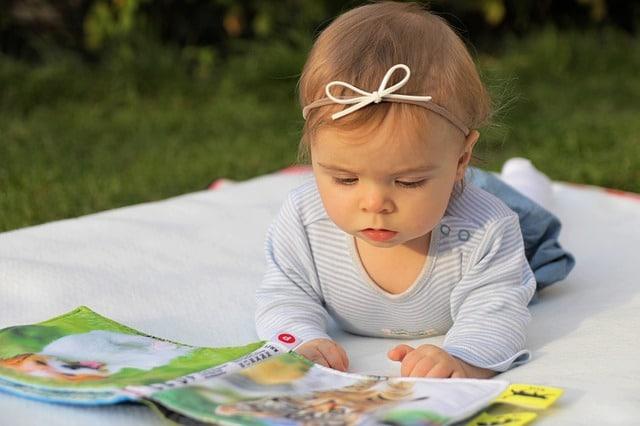 Bilderbücher und Vorlesebücher sind bei kleinen und großen Kindern beliebt.