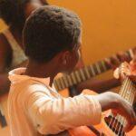 Die 6 besten 7/8 Gitarren für Kinder
