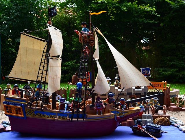 Ein Playmobil Piratenschiff bringt lange Freude.