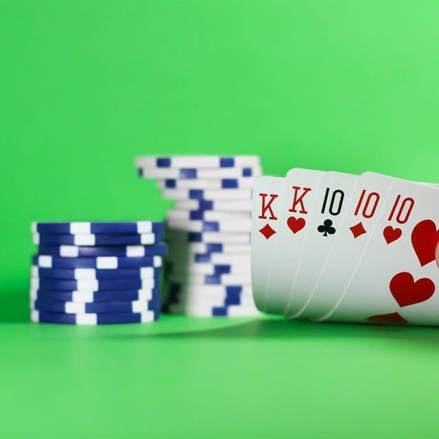 Poker Karten Set kaufen.